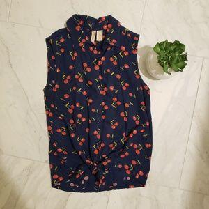 JAPNA sleeveless cherry top🍒🍒